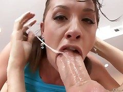 Chanel Preston sucks like a trull in oral action