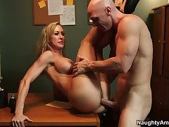 Johnny Sins uses his thickset relations substantiate pole
