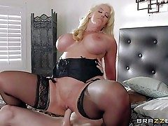 Alura Jenson is a insane as hell mom with massive